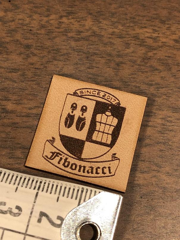 フィボナッチ紳士洋品店 ロゴ
