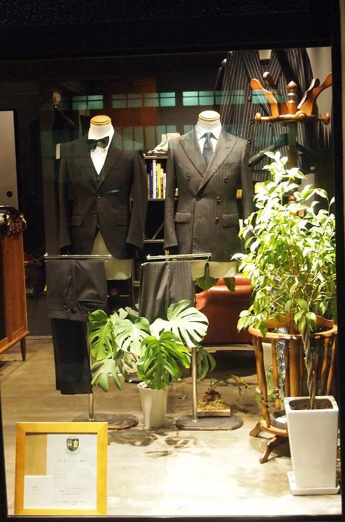 フィボナッチ紳士洋品店 ディスプレイ オーダースーツ