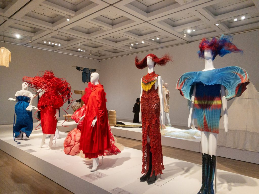 ファッションインジャパン1945-2020 流行と社会